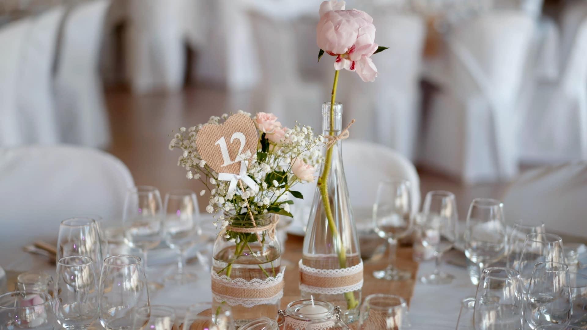 Table avec verres pour mariage